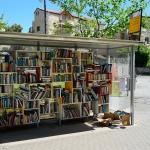 """Bücher für jedermann kostenlos - eine sogenannte """"Bücherstation"""" in Jerusalem (Bild Naftali Hilger)."""
