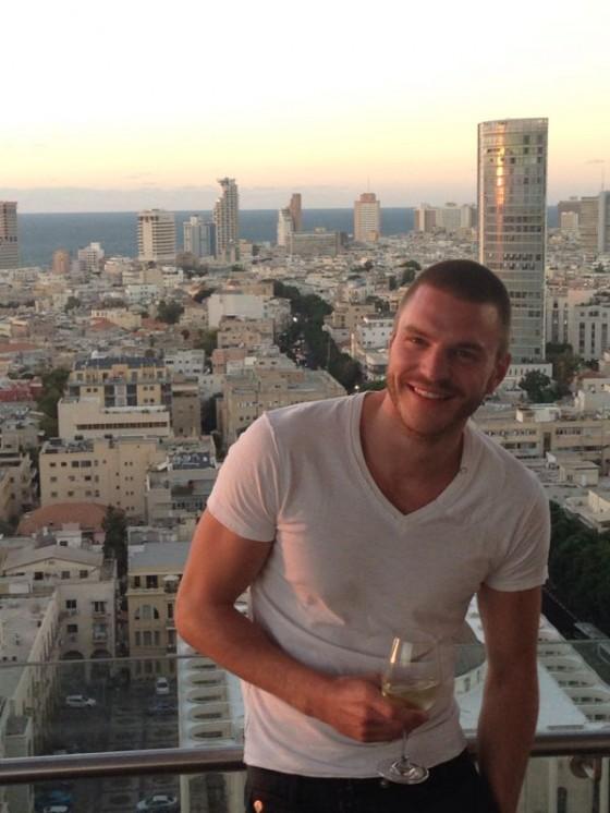 Christian Bindella geniesst das Leben in Tel Aviv in vollen Zügen. (Bild: privat)