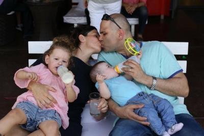 Karen Gottschalk und ihre Familie in Israel (Bild: Privat).
