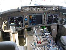 Die Cockpits bleiben erst einmal leer – die Elal-Piloten streiken weiter für bessere Arbeitsbedingungen  (Bild: KDTW Flyer/wikimedia commons).