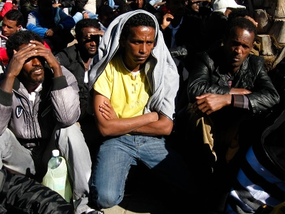 Afrikanische Flüchtlinge in Tel Aviv (Bild: Rudychaimg/Wikimedia Commons).