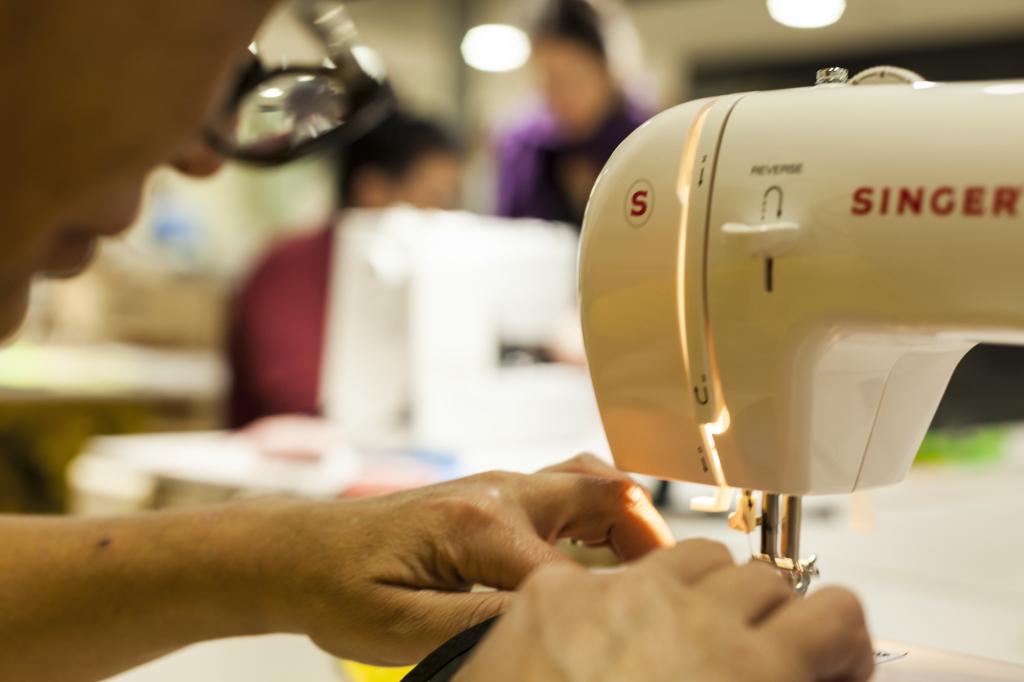Das Unternehmen A.I.R. gibt Menschen eine Perspektive – gerade das Kreieren von konkreten Produkten ist für viele eine völlig neue, tolle Erfahrung (Bild: A.I.R.)